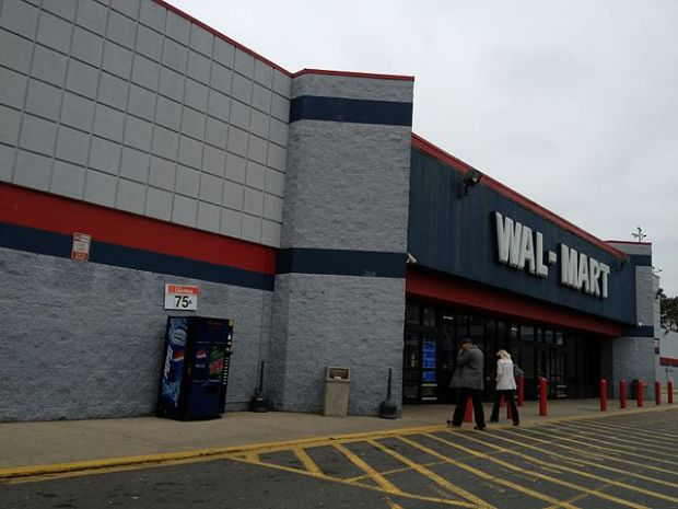 Wal-Mart_Eastway_Dr_Charlotte,_NC_(6794460312)